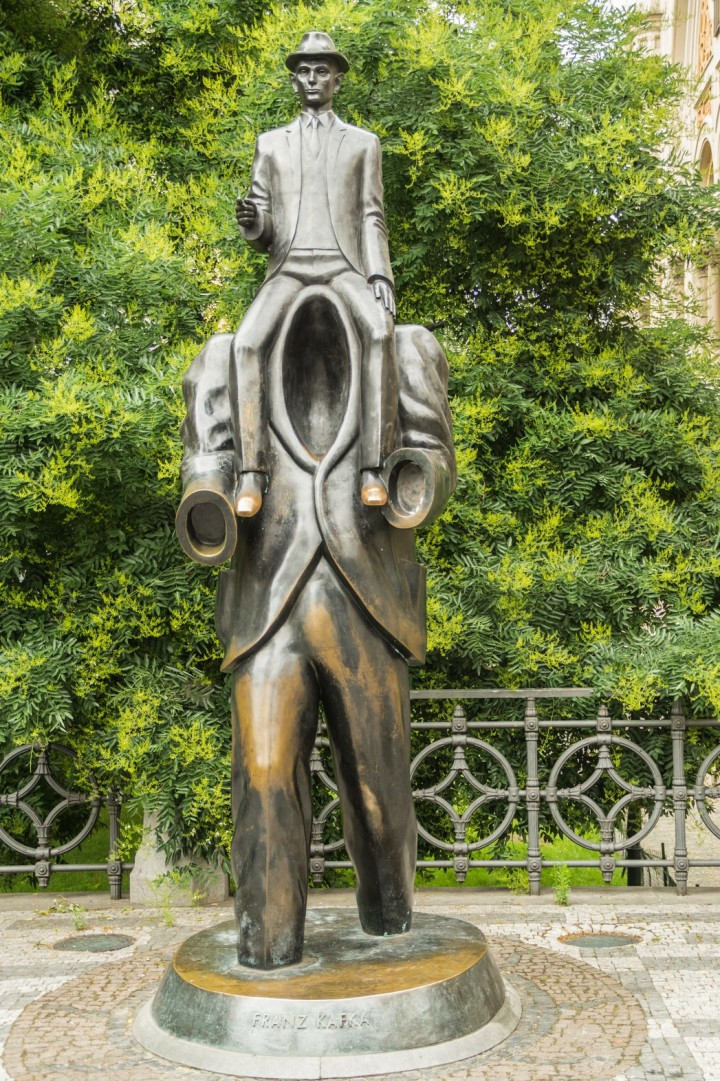 Praga - Franz Kafka - pomnik