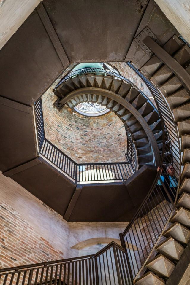schody wieży lamberti