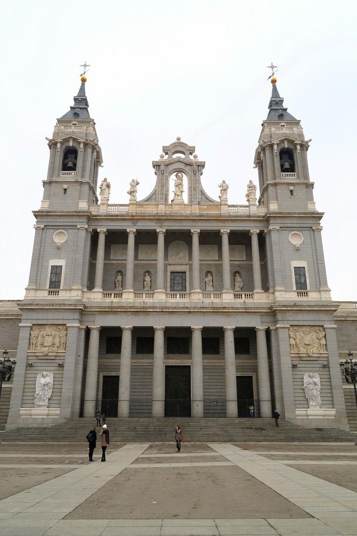 Madryt - Catedral de la Almudena