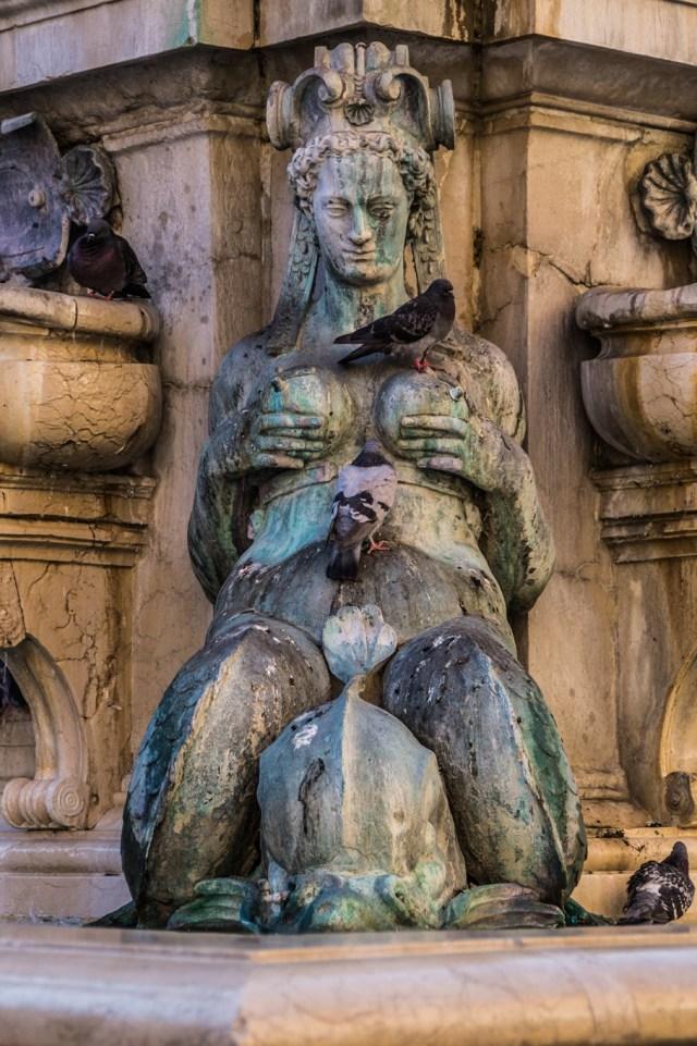Fontanna Neptuna w Bolonii 2