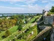 Kalemegdan - wzgórze i mury
