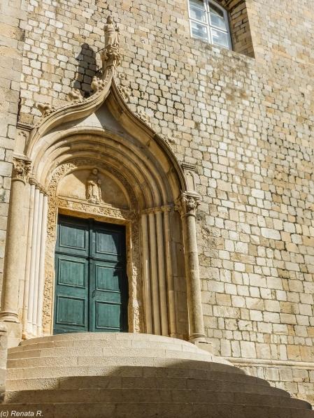 Dubrownik - zdobiony portal