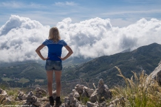 Jezerski Vrh - Renia podziwia świat znad skraju przepaści