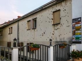 Mostar - ślady po kulach