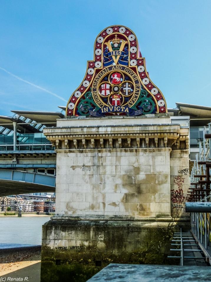 Londyn - niedaleko Blackfriars Bridge
