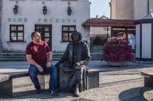 Frombork - rozmowa dwóch Mikołajów na Rynku