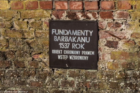 Frombork - fundamenty barbakanu