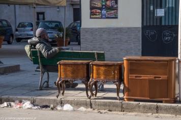 Palermo - handlarz ze swoim towarem