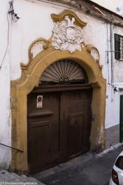 Palermo - brama do jednej z kamienic