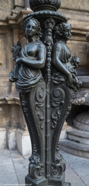 Palermo - podstawa latarni