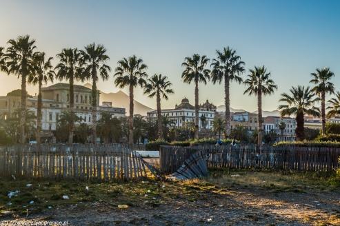 Palermo - śmieci nad bulwarami
