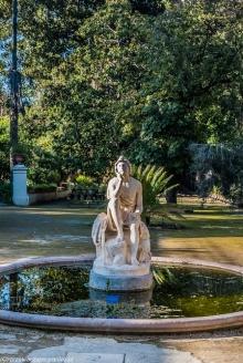 Palermo - figura w Ogrodzie Botanicznym