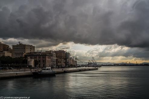Tapani - chmury nad miastem